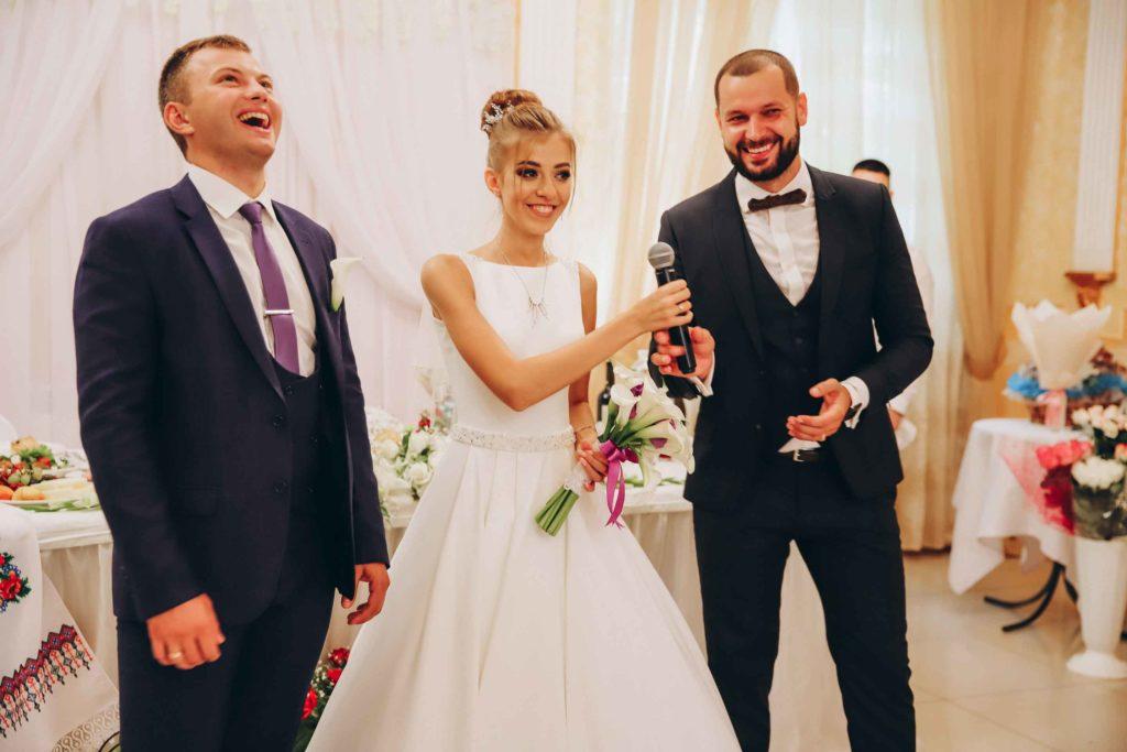 Сколько стоит ведущий и тамада на свадьбу Харьков
