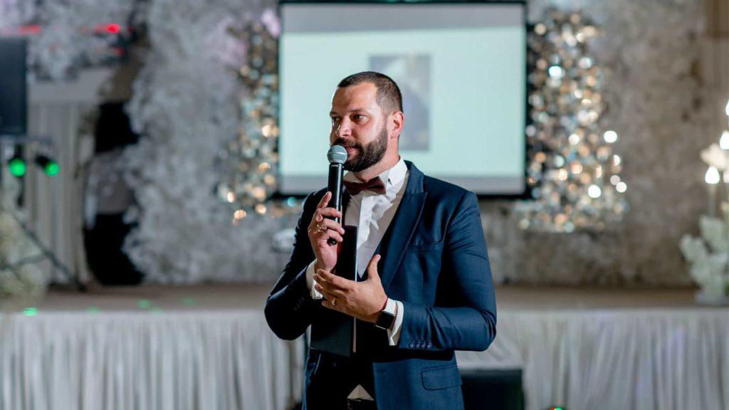 Где искать ведущего на свадьбу?